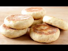 Bread without oven made in pan - Only 2 ingredients! Bread Bun, Pan Bread, Bread Baking, Baking Soda, Bread Recipes, Baking Recipes, Bread And Pastries, Recipe For 4, Indian Food Recipes