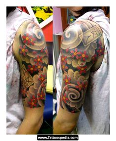 Japanese Quarter Sleeve Tattoo Design Tinta Para Tatuaje throughout sizing 914 X 1131 Japanese Floral Sleeve Tattoos - The tattoos are pretty big and can Quarter Sleeve Tattoos, Full Sleeve Tattoos, Sleeve Tattoos For Women, Tattoo Sleeve Designs, Flower Tattoo Designs, Tattoo Designs Men, Tattoos For Guys, Tattoo Sleeves, Women Sleeve