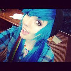 Leda Muir blue hair #ledamonsterbunny #hailedabear