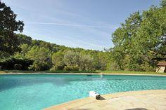 Domaine Callas  Prachtig landgoed met gastenverblijven groot verwarmd zwembad en tennisbaan in de Provence  EUR 1965.00  Meer informatie  #vakantie http://vakantienaar.eu - http://facebook.com/vakantienaar.eu - https://start.me/p/VRobeo/vakantie-pagina