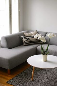 DecoDreamer's Diary: Gray sofa, white coffee table, gray decoration, Scandinavian, living room Living Spaces, Living Room, Gray Sofa, Scandinavian Living, White Coffee, Interior Ideas, Beautiful Homes, Couch, Decoration