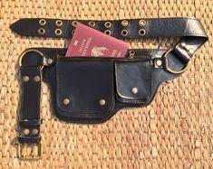 Sac de hanche en cuir | Cadeau de voyage | Sac de ceinture utilitaire | Sac banane | Porte-passeport smartphone | Ceinture d'argent Festival | Wanderlust - le Hipster