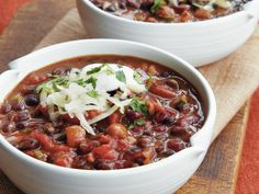 Your slow cooker is the secret to a fast, easy, and healthy dinner. You're going to want to bookmark this collection of our best healthy slow cooker Veggie Chili, Vegetarian Chili, Vegetarian Recipes, Healthy Recipes, Meatless Chili, Vegetarian Options, Entree Recipes, Vegan Meals, Vegetable Recipes