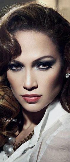 I love this makeup! Jennifer Lopez Old Hollywood Glamour Wallpaper Britney Spears, Jennifer Lopez Wallpaper, Glamour Wallpaper, Hd Wallpaper, Glamour Makeup, Jlo Makeup, Hair Makeup, Glamour Hair, John David