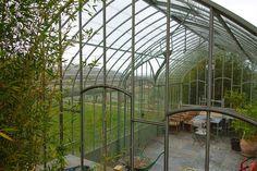 Serre de jardin en bois de c dre rouge et verre tremp for Serre de jardin en fer forge