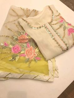ideas embroidery ideas clothes suits for 2019 Pakistani Wedding Outfits, Pakistani Dresses, Indian Dresses, Indian Outfits, Punjabi Wedding, Pakistani Bridal, Designer Punjabi Suits, Indian Designer Wear, Embroidery Suits Design