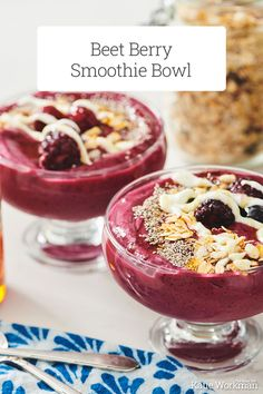Beet Berry Smoothie Bowl Recipe / This Beet Berry Smoothie Bowl recipe is refreshing, clean, and rejuvenating. This healthy and easy breakfast is exactly how you want to start your day.  #smoothiebowl #brunch #breakfast #vegetarian #glutenfree