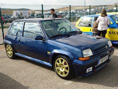 Renault 5 GT Turbo Blu Retro Cars, Vintage Cars, Renault 5 Gt Turbo, Modified Cars, Amazing Cars, Honda Civic, Courses, Fast Cars, Sport Cars