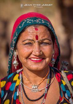Gypsy à la Foire aux Chameaux de Pushkar (Rajasthan -Inde) - Gypsy at the Pushkar Camel Fair in (Rajasthan -India)