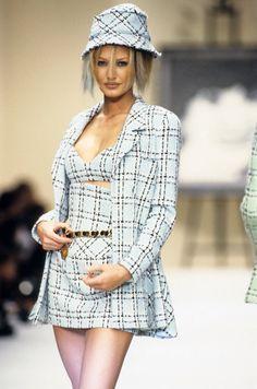 30f86b9325 De 711 bedste billeder fra Fashion  Chanel 1994 S S RtW i 2019 ...