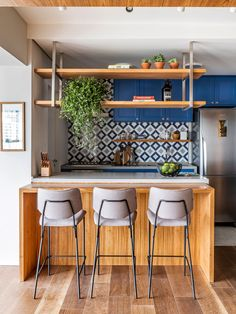 Kitchen Room Design, Boho Kitchen, Kitchen Layout, Home Decor Kitchen, Interior Design Kitchen, Small Modern Kitchens, Küchen Design, Home Decor Furniture, Kitchen Remodel
