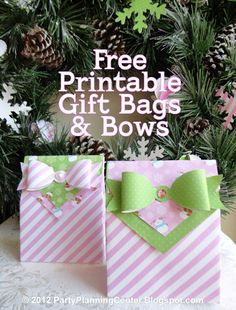 Free printable Pink Peppermint Christmas gift bags