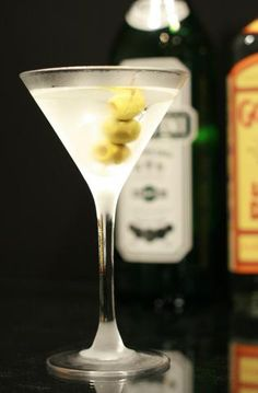Dirty Martinis | Great Gatsby Party Ideas  =)