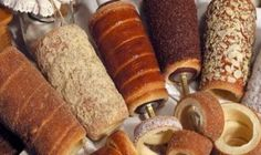 """For many people it's been known as Chimney cake but for Romanians and Hungarians it's known as """"Kürtöskalács"""" and is made from sweet, yeast dough, of which a strip is spun a… Cake Oven, Chimney Cake, Oreo Cupcakes, Bread And Pastries, Oriental, Dessert Recipes, Desserts, Cake Recipes, Cakes And More"""