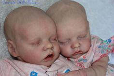 Haha yes as you might have noticed I'm a little crazy about bonnie brown kits. Well here is the cutest little pair of twins the special release twin A with her twin B sister! Plus my princess Ciara is being a very g… Reborn Baby Dolls Twins, Newborn Baby Dolls, Reborn Baby Girl, Reborn Dolls, Baby Boy, Silicone Reborn Babies, Silicone Baby Dolls, Baby Dolls For Sale, Real Life Baby Dolls