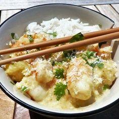 Crevettes à l'ananas, sauce au curry et au lait de coco