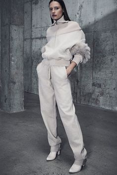 Sally LaPointe Pre-Fall 2018 collection, runway looks, beauty, models, and reviews.