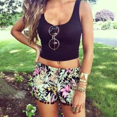 shorts cute outfit tank top flora black tank top floral shorts sunglasses round sunglasses shirt floral black pink green