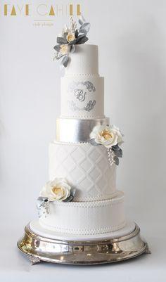 6 Wedding Cake Trends in 2020 White Wedding Cakes, Elegant Wedding Cakes, Elegant Cakes, Beautiful Wedding Cakes, Gorgeous Cakes, Wedding Cake Designs, Wedding Cake Toppers, Elegant Cake Design, Amazing Cakes