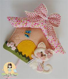 Sonhos de Mel 'ੴ - Crafts em feltro e tecido: °°Uma casa para a Gatinha Felícia...