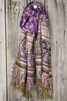 1000 ideas about pashmina scarf on pinterest cashmere pashmina pashmina shawl and scarfs. Black Bedroom Furniture Sets. Home Design Ideas