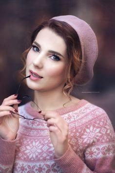 Romantic Girl, Hoop Earrings, Portrait, Jewelry, Fashion, Jewellery Making, Moda, Jewels, Fashion Styles