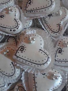 Cupcake Cookies, Cupcakes, Sweet Bar, Christmas Cookies, Icing, Biscuits, Bridal Shower, Bakery, Creations