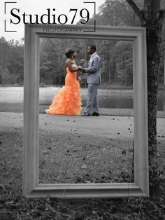 like the idea of only the couple being in color