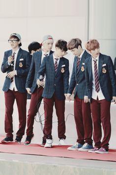 EXO (Chanyeol, Sehun, Kyungsoo, Yixing, and Luhan) Growl Era