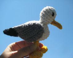 Amigurumi seagull crochet pattern - Crochet pattern amigurumi bird - Crochet seagull - pinned by pin4etsy.com