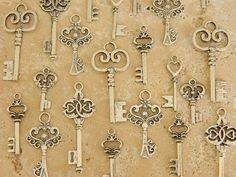 ** set of 30 Alice in Wonderland silver skeleton keys previous classic keys wedding ceremony favor jewellery provide Victorian steampunk keys clés schlüssel