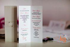 dodatki ślubne pasujące do zaproszeń minimalistycznych w paski, menu