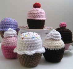 Cupcake Crochet Amigurumi Pattern