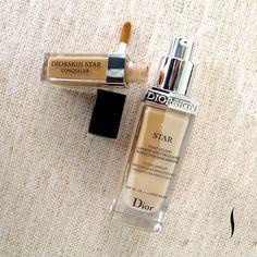 Pele iluminada o dia todo. A Diorskin Star de Dior tem textura leve, que deixa uma aparência natural com acabamento perfeito. Sua fórmula é composta por ingredientes que tratam seu rosto e ajudam a reduzir o aparecimento de áreas escuras, manchas de pigmentação e vermelhidão. Pele incrível para uma make maravilhosa!