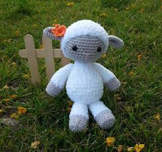 2000 Free Amigurumi Patterns: Amigurumi lamb/ sheep