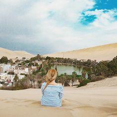 """1,554 Me gusta, 110 comentarios - Sonia&John (@elmundoesmejorcontigo) en Instagram: """"Oasis de Huacachina, Perú  Este precioso oasis se encuentra a tan solo 4h en bus de Lima capital.…"""""""