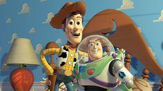 """Crianças e adultos podem comemorar: """"Toy Story 4"""" será lançado em 2017. A novidade foi anunciada nesta semana por Bob Iger, presidente da The Walt Disney Company. A continuação de um dos clássicos da Pixar terá a direção de John Lasseter, que já comandou o primeiro filme da franquia, em 1995, e """"Toy Story 2"""" (1999)."""