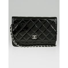 Pre-owned Chanel Black Quilted Patent Leather CC WOC Clutch Bag ($1,795) ❤ liked on Polyvore featuring bags, handbags, clutches, chanel pochette, metallic purse, chain purse, chanel purse and patent leather handbags
