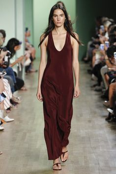 Tibi Spring 2016 Ready-to-Wear Collection Photos - Vogue  http://www.vogue.com/fashion-shows/spring-2016-ready-to-wear/tibi/slideshow/collection#34