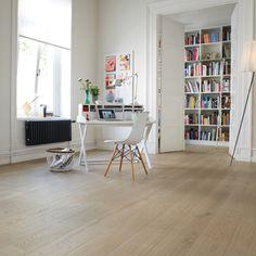 Bauwerk Parkett Casapark Duna 221 / 181 / 139 <p>Großzügige Eichendielen in schönen Farbnuancen, in lebhaften und ruhigen Sortierungen erhältlich sowie in drei verschiedenen Breiten, das sind die Vorzüge des neuen 3-Schicht-Parketts von Bauwerk. Das neue Sortiment Casapark bietet vielfältige Gestaltungsmöglichkeiten in bewährter Bauwerk-Qualität. Dieses Parkett wird vollflächig verklebt und ist daher für Fußbodenheizungen optimal geeignet.</p>  <p>Den Casapark finden Sie bei Bauwerk Parkett…