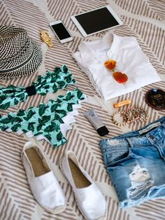 Vacation Prep Packing Tips - What To Pack Beach Weekend Packing, Weekend Trips, Couples Things To Do, Vacation Outfits, Vacation Wear, Travel Outfits, Cruise Vacation, Disney Cruise, Vacation Destinations