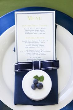 If you're envisioning a country club wedding filled with preppy pomp and circumstance, then boy oh boy do we have some inspiration for you! Imagined by a fabulously talented group of vendors, this Longmeadow, Massachusetts shoot is sure to satisfy any country club aficionado's nuptial cravings. Here's what photographer Dani of Dani Fine Photography had …