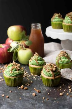 Caramel Apple Cupcakes, Caramel Apples, Apple Caramel, Mocha Cupcakes, Strawberry Cupcakes, Velvet Cupcakes, Vanilla Cupcakes, Banana Cupcakes, Summer Cupcakes