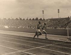 Emil Zatopek TCH 14'.03''.0 Gold Medal@Gaston Reiff BEL 14'.26''.2 Bronze Medal! Emil Zatopek, Cross Country, Country Roads, Bronze, European Championships, Gaston, Track And Field, Belgium, Finals