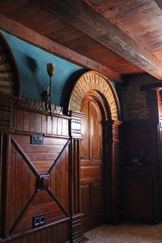 casa de piedra y madera www.facebook.com/mansionarreba