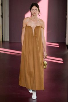 Valentino Fall 2017 Couture Fashion Show - Justine Asset