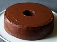 Ότι πρέπει για το καλοκαίρι! Πεντανόστιμο κέικ σοκολάτας που μπαίνει στο ψυγείο!