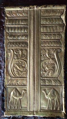 Brass Metal, Wallet, Chain, Home Decor, Decoration Home, Room Decor, Necklaces, Home Interior Design, Purses