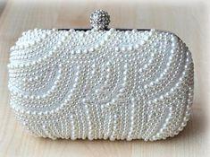 435da675111ef7 Hochzeitskupplung Geldbörse Brautperlenbeutel weiß mit Kristallen Handmande  Perlenperle Abend Clutchbridal Tasche mit Kette. Perfekt für