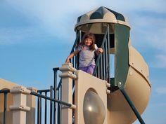 Playground Scavenger Hunt - print this free scavenger hunt and find new playgrounds to explore with the kids!